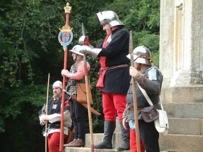Guard of honour for the memorial walk